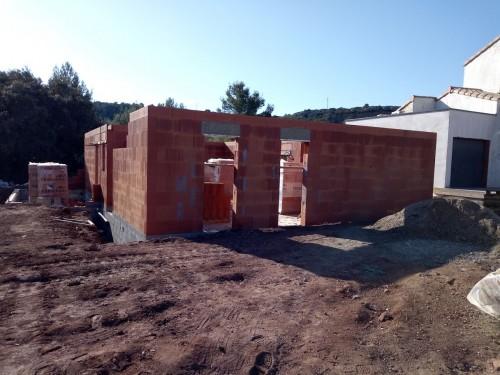 Elévation des murs et pose charpente chantier à CAZEDARNES